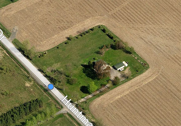 Bird's eye view of 180 Huntmar, via Bing Maps.