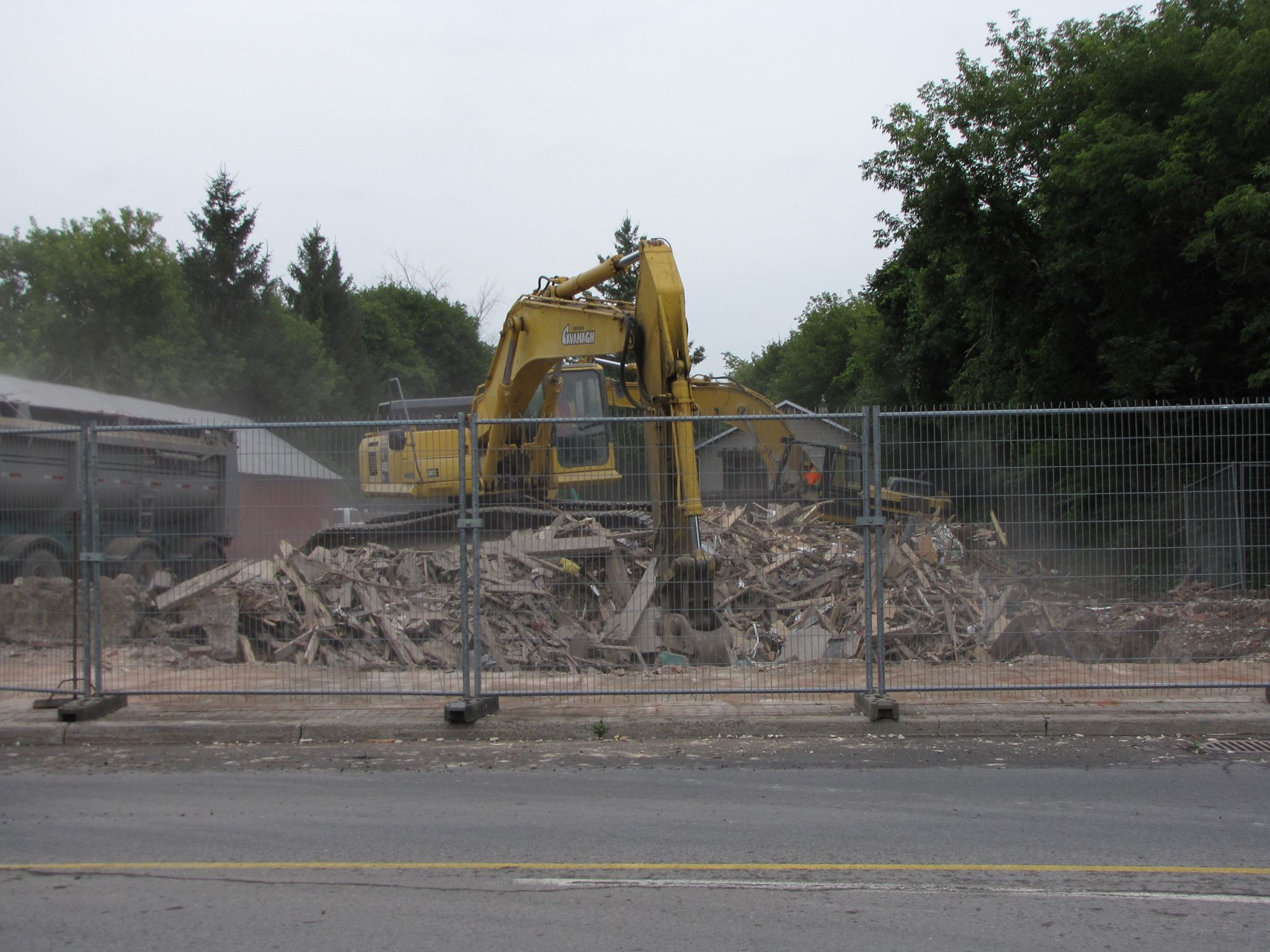 Demolition of 1518 Main