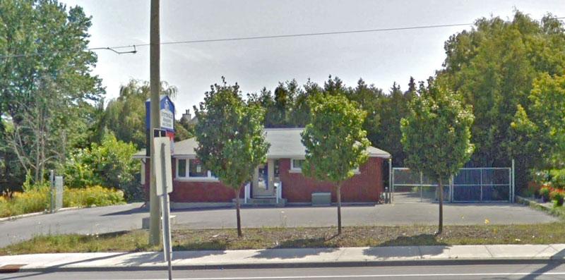 The existing Stittsville Windows & Doors building on Hazeldean Road. Photo via Google Maps.