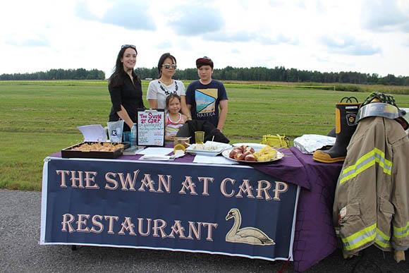Family Day at the Carp Airport. Photo by Jiyun Shin.