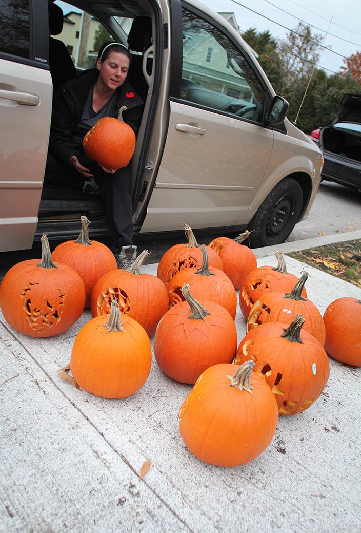 STITTSVILLE, ON. Nov 1, 2016. Pumpkins arriving by the van load for the Pumpkin Parade at Village Square. Barry Gray (StittsvilleCentral)