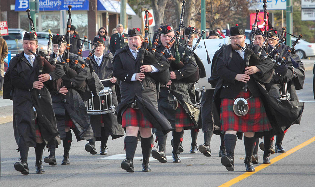 STITTSVILLE, ON. Nov.11 2016. The Arnprior McNab Pipes and Drums on Stittsville's Main Street. Barry Gray (StittsviilleCentral)