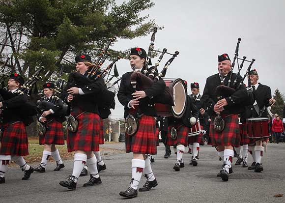 STITTSVILLE, ON. November 11, 2015. Arnprior Pipe Band leads the vetrans into the Cenetoph. (Barry Gray/StittsvilleCentral)