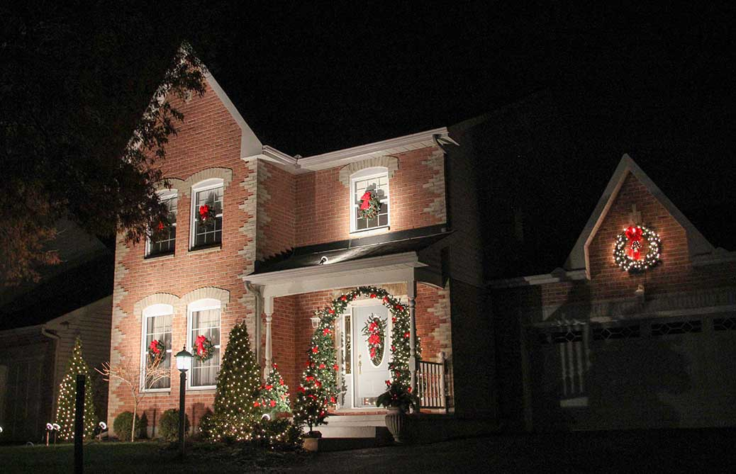 Christmas lights on Renshaw Ave. Barry Gray for StittsvilleCentral.ca