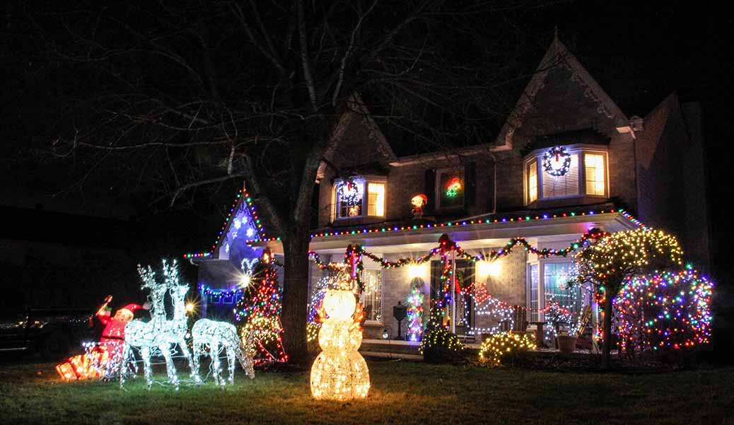 Christmas lights on Renshaw Avenue. Photo by Barry Gray