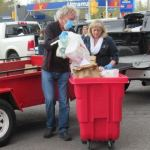 Stittsville residents respond big-time to SMHA-GGHA food drive parade