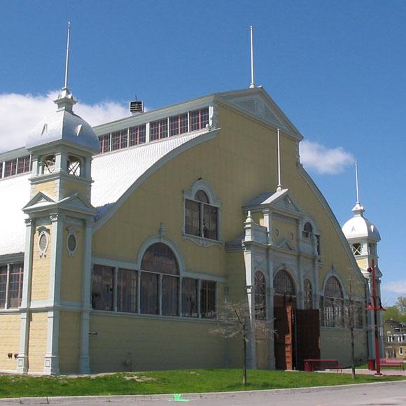 Aberdeen Pavilion at Lansdowne Park, May 2004.