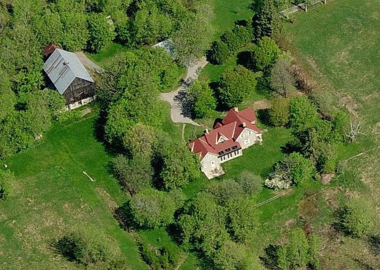 Aerial of 173 Huntmar