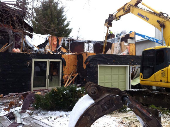 Bell Street Demolition - Photo by Roly Renaud