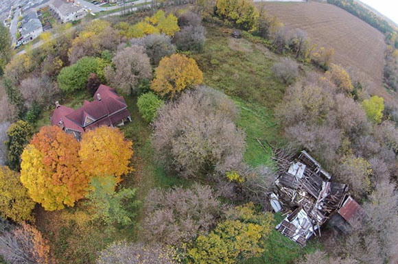 2014 aerial photo of Boyd House by @TwitchxB.