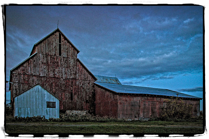 Bradley Craig barn on Hazeldean Road, October 2015. Photo by Barry Gray.