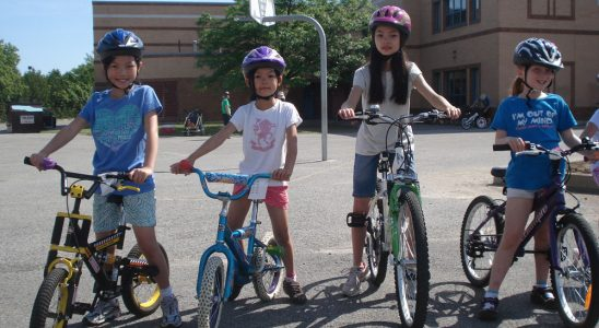 Kids participate in a CAN-BIKE course in Ottawa, 2014. Photo courtesy of Hans Moor.