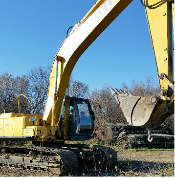 Sometime overnight on Tuesday November 24th individual(s) broke into a lot in the 2000 block of Carp Rd and stole a John Deere model 270 CLS excavator. A company logo M.ROC Ltd is displayed on the sides of this construction machine.