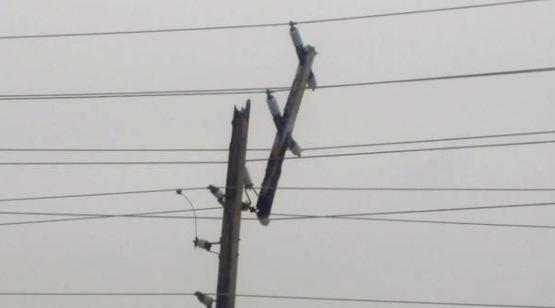 Snapped hydro pole near the Queensway.
