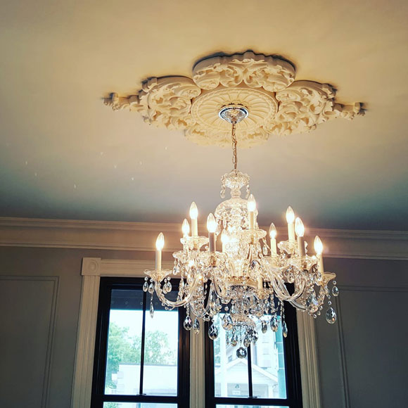 Jennifer McGahan Interiors - Chandelier