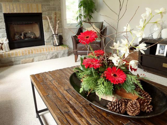 Pretty Pots decor at Homes for the Holidays