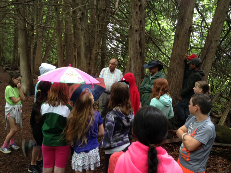 Shad Qadri and City of Ottawa Planning Forester Mark Richardson accompanied students in grade 5 / 6 from Stittsville Public School to the Shea Woods