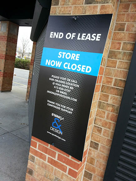 Stereo Plus and Design - end-of-lease sign, April 2015. Photo by Barry Gray.