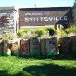 Horticultural Society volunteers help clean up Stittsville sign