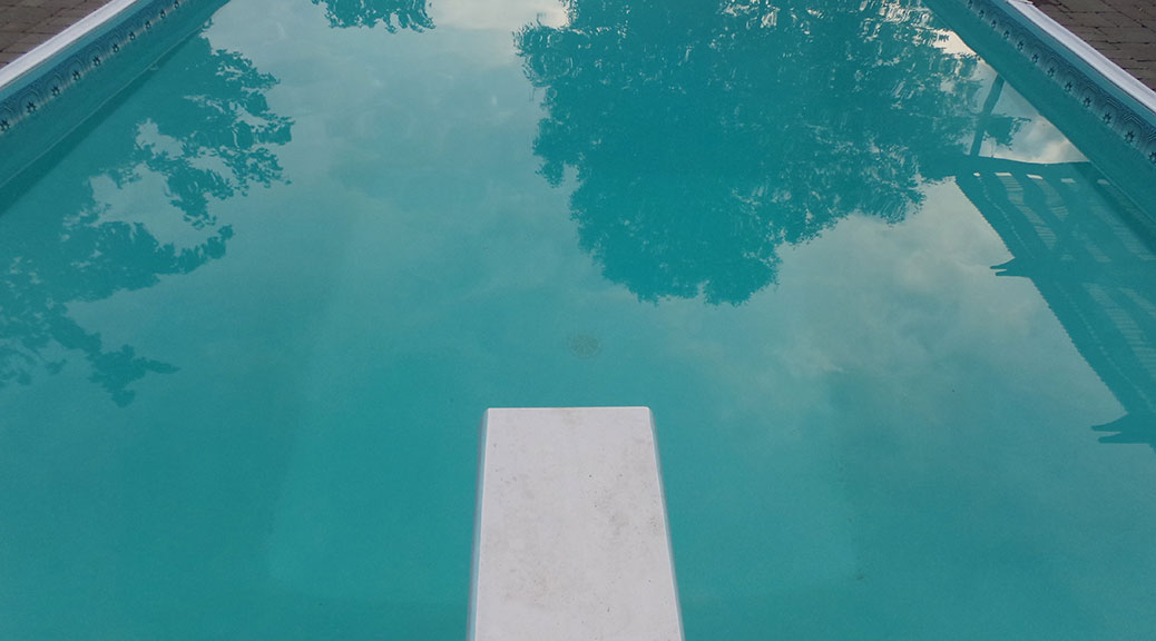 Diving board and swimming pool
