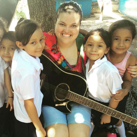 Vanessa Banks es misionera en El Salvador